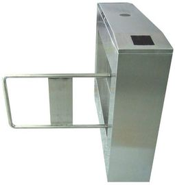 Dua arah Direction 180 Angle 304 # Stainless Steel Automatic swing Gerbang Barrier AC220V 50Hz